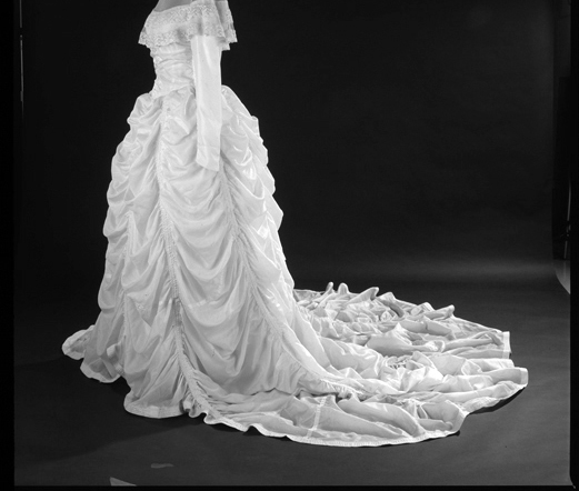 2000-11073, dress made from parachute which saved groom's life in World War II, worn by bride at his wedding, 07/1947, Costume Collection/Division of Social History, Donor : Hensinger, Cat. No. 1992.0236.1, from 120mm ektachrome
